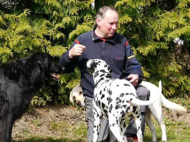 Hans Ruckdeschel von der Hundeschule Ruckdeschel Fohlenhof
